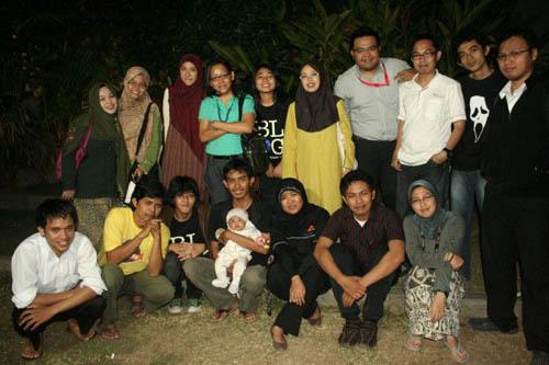 mereka yang menjadi keluarga :')